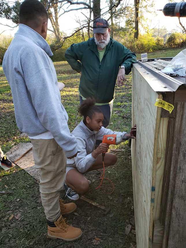 Children in the LANDers After-School Program Learn to Build